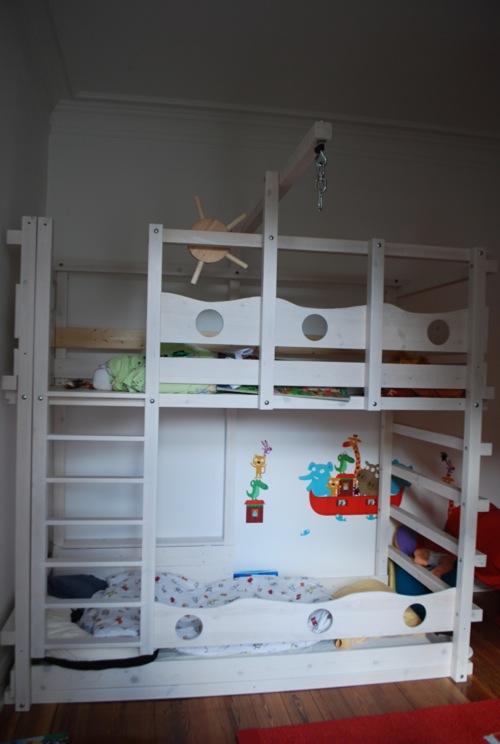 hochbett kinderbett etagenbett babybett abenteuerbett hochbetten spielbett piratenbett umbaubett. Black Bedroom Furniture Sets. Home Design Ideas